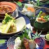 四季亭 - 料理写真:海の幸、山の幸をふんだんに使った季節の月替わり会席