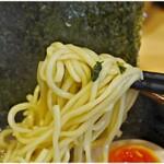 横浜ラーメン 北村家 - ムチプリ麺。