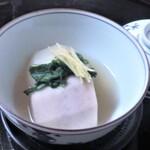 味吉兆 ぶんぶ庵 - 炊き合せ 海老芋 蕪