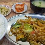 力焼肉店 - 料理写真:ホルモン焼きそば定食(ごはん大盛)(1000円)