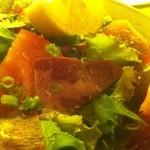 蔵のむこう - 馬生ハムとトマトのサラダ