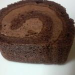 14103688 - チョコロールケーキ断面 5~6cmくらい