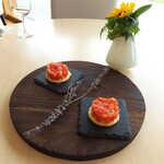 ランファン・キ・レーヴ - トマトのタルト。ラベンダーを添えた美しい盛り付けに、北海道の風を感じます