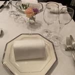 ブラッセリー ブルゴーニュ - テーブルセット