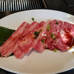 焼肉レストラン 八坂 あら川 - カルビ アップ