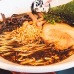 ラーメン海山 - 香る醤油豚骨 780円