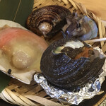 地鶏の炭火焼きと貝焼き職人 貝マニア -