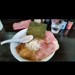 濃麺 海月 - にぼしラーメン(麺量160g位)、トッピングは味玉。 千葉県民になりたいなー