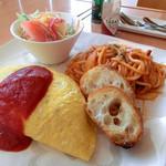 カフェフェリーチェ - 料理写真:今日のランチはオムライスとスパゲティ