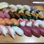 さなえ寿司 - 料理写真:竹2人前と梅1人前です。