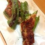 旬菜 ふじ井 - 万願寺唐辛子のつみれ焼