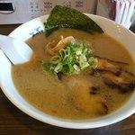 ラーメン堂 極 - きわみのらーめん680円 白 太麺