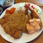 プラチナ食堂 - 料理写真:とんかつ&エビフライ