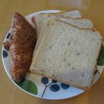 Epi厨庵 - クロワッサンと食パン(サービス品300円)