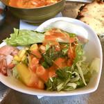 トムボーイ - 海老と完熟マンゴーのフレンチサラダ