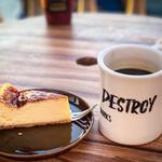 ジバゴ コーヒー ワークス オキナワ - コーヒーとチーズケーキ