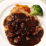 味楽亭 - 鶏肉のマッシュルームソース