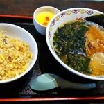141106924 - ラーメンランチA(ラーメン・半チャーハン・杏仁豆腐)。