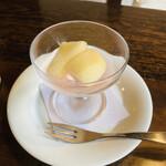 茶房 天井棧敷 - セットのデザート ラ フランスのシロップ漬け