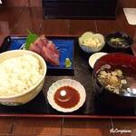 鈴徳 - 鰹の刺身定食