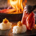 極・和牛焼肉やざわ - トロカルビの炙り寿司