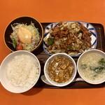 141123225 - 日替りA定食は豚肉とキャベツの甘味噌炒め