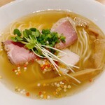 麺工房 やびな - 料理写真:鯛煮干の塩soba(期間限定)