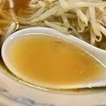 141126758 - 透き通る醤油スープ