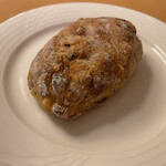 ベッカライ コンディトライ ヒダカ - 花梨とアールグレイのパン