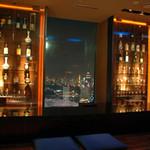 結庵 - BARカウンター東京タワーの眺められる特等席です