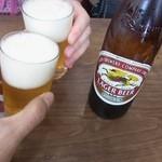お食事処 ふじや - まずはビール