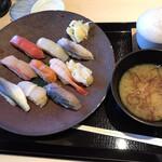 秋田港 - 季節の味覚ランチ(980円)