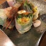 yaesu 海老バル - 海老とクリームチーズの生春巻き(580円)