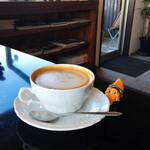 cafe de flots - ドリンク写真:仁尾産ハチミツを使ったハニーラテ