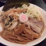 大勝軒まるいち - ラーメン700円+野菜150円 細麺