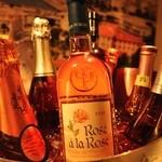 ラグーン - 甘口から辛口、スパークリングまで世界のロゼワインを揃えております。