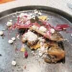141145258 - 秋刀魚、キノコのマリネ、タルトレット