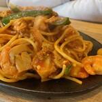 レストラン泉屋 - 海の幸スパゲティトマト味