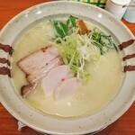 中華そばかずしの - 料理写真:鶏白湯 塩!クリームシチューのように白いです!