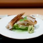 炭火割烹 いふき - 鳥貝の炙り 鳥貝の肝醤油
