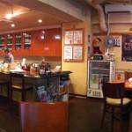 珈琲家 - 店内パノラマ