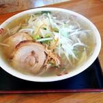 まん福亭 - 料理写真:タンメンに豚2枚トッピング 1枚55円込
