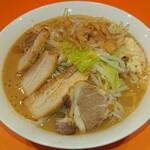 ラーメン ブッダ - 濃厚ブッダ  しょうゆ  麺量:300g  太麺  ニンニク普通