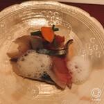 居酒屋 たぬき - しめ鯖の炙り トマトソース