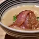 日本橋海鮮丼 つじ半 - 【ぜいたく丼 松@2,000円】鯛出汁に、刺身イン