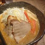 味噌が一番 - 頂上味噌麺(780円) + ハイボール(360円)。