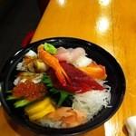 栄寿し総本店 - 海鮮丼