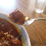 チロリン村 - 煮込まれた牛肉アップ