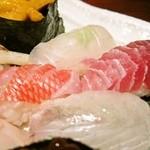下北沢 鯛家 - 特上寿司盛り合わせ