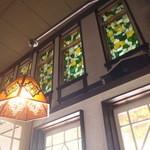 チロリン村 - 店内からしか見えないステンドガラス